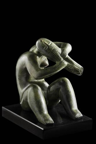 017-fesulkodo-lany-II-2013-bronz-24,5x18x23cm-1--Sle 1435-fekete